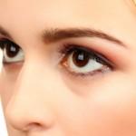 三白眼を治すにはどうすればいいんでしょうか?カラコンじゃだめ?